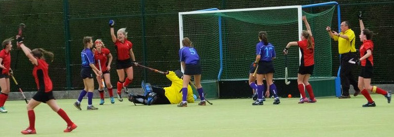 Polly Goal-001